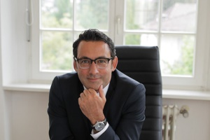 Profilbild des Fachanwalts für Bau- und Architektenrecht Dr. Oliver Hutmacher, Pforzheim auf baurechtsuche.de